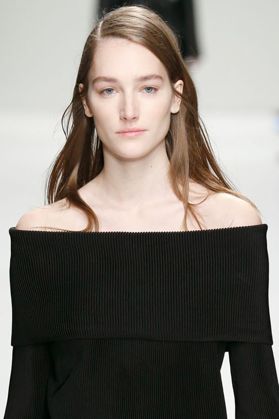 <strong>SHOULDERS</strong> <br> <br> Sportmax
