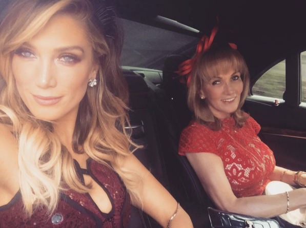 Delta Goodrem and her mum find time for a selfie before the race day.