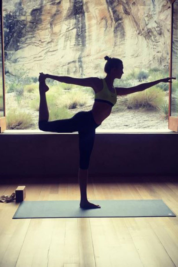 <strong>Stretch</strong> <BR> <BR> Certain yoga poses and stretches aid digestion and detox. Starting the day with a few sun salutations also boosts circulation, giving you the kind of glow you can't get from a bottle.