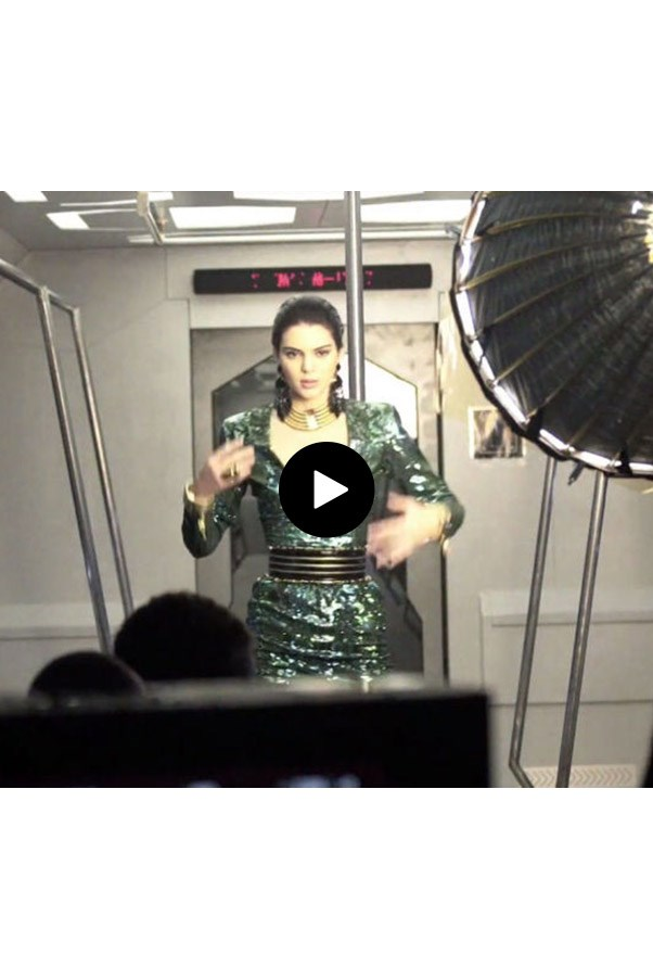 Watch Kendall Jenner Start A Dance Party On A Train