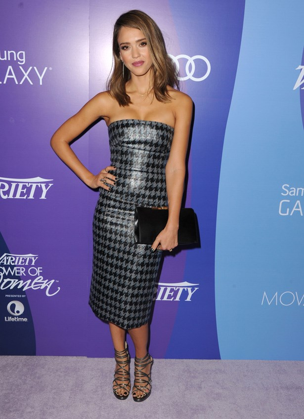 Jessica Alba goes slinky in this Dior dress.