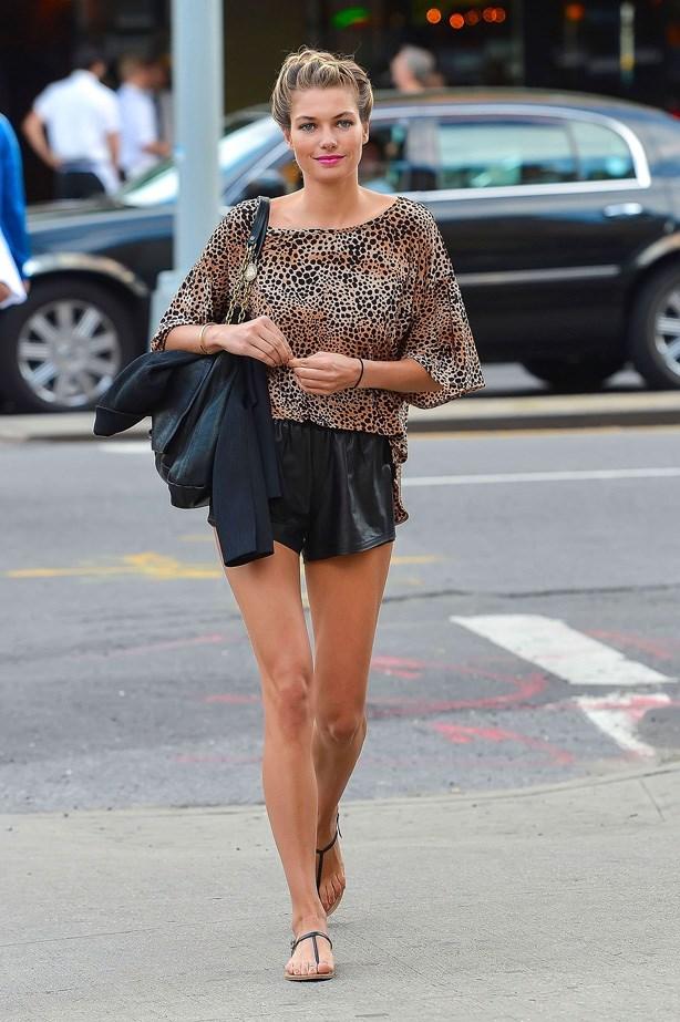Jess looking like a bronzed goddess.