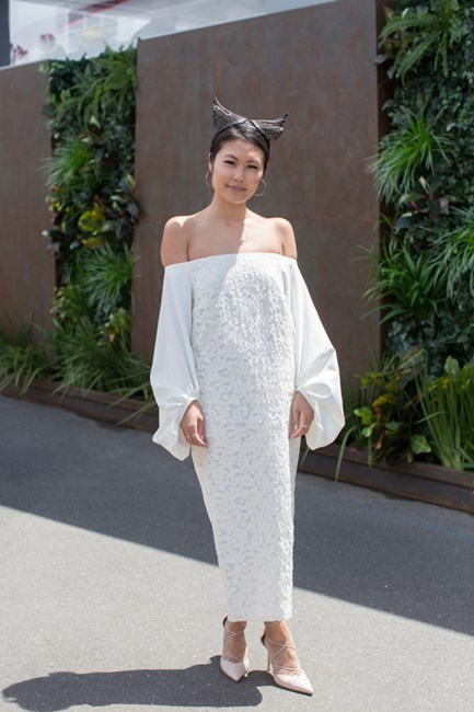Name: Kat Cheung Outfit: Camilla and Marc dress, Wittner heels, Studio Aniss headpiece Race day: Stakes Day 2015 Location: Flemington, Melbourne
