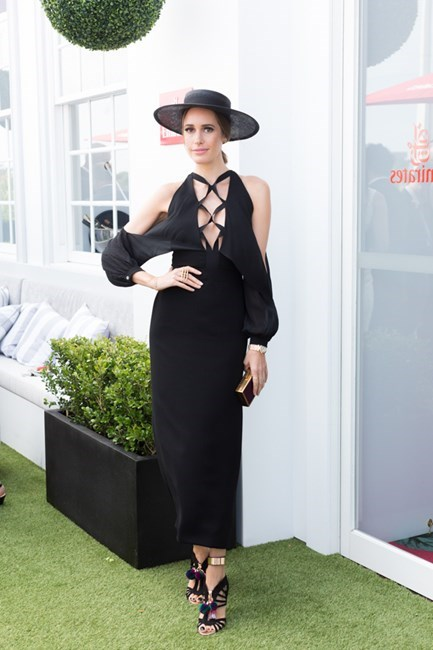 Name: Louise Roe Outfit: Nerida Winter hat, Dion Lee dress Race day: Melbourne Cup 2015 Location: Flemington, Melbourne