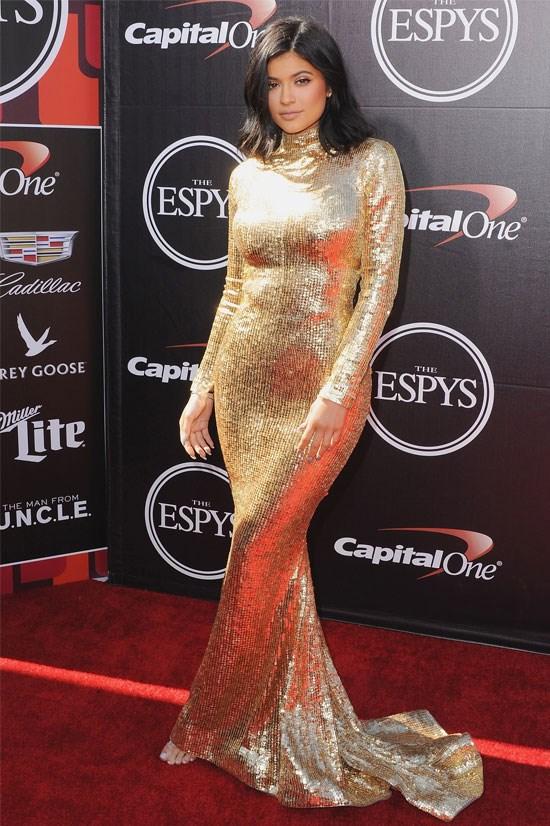 Kylie shines bright in this Shady Zeineldine gown.