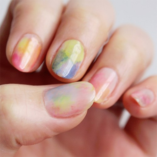 Imagine if we would have had watercolour nails as young art nerds. Such a different life.