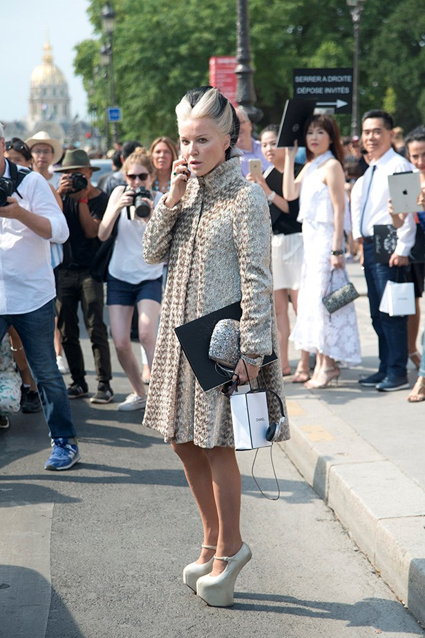 Daphne Guinness is a true fan of fashion, and her shoe collection basically belong an art gallery. Praise her.