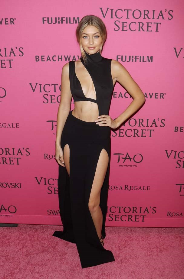 "<strong>Gigi Hadid</strong> <br> <br> The Top 10 Dressers of 2015 list would not be complete without bombshell Gigi Hadid. She rocks the cut-out dress like no other and has started a whole new trend with <a href=""http://www.elle.com.au/fashion/celebrity-style/2015/9/gigi-hadids-complete-sneaker-collection/"">sneaker fashion</a>."