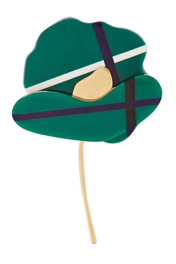"Flower Brooch, $338, Marni,<a href=""http://www.net-a-porter.com/au/en/product/585797/Marni/resin-horn-and-gold-plated-brooch-""> net-a-porter.com</a>"
