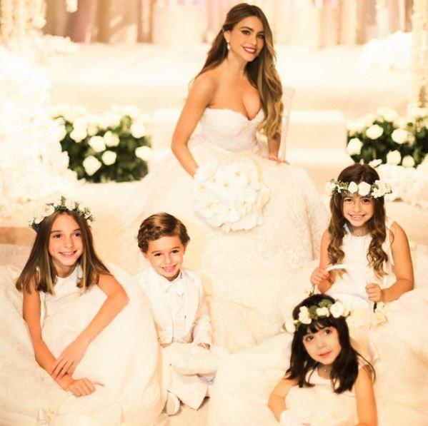 Sofia and her bridesmaids.