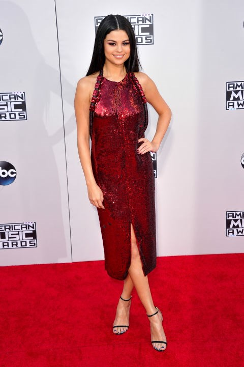 <strong>SELENA GOMEZ IN GIVENCHY</strong> <br><br> Attending the 2015 American Music Awards, November 22.