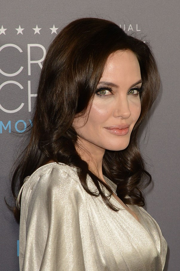 <strong>15th January </strong> <br><br><strong>Angelina Jolie</strong> proves that all you need are rosy cheeks, dewy skin and wispy lashes for a knockout red carpet look at the<strong> 20th Annual Critics' Choice Movie Awards</strong>.