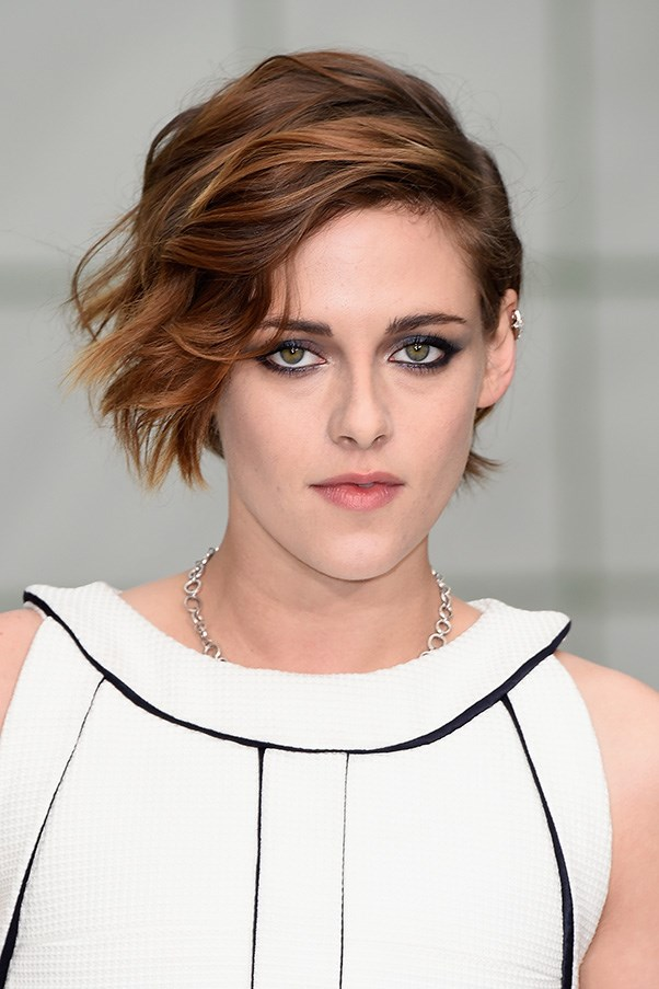 <strong>27th January</strong> <br><br><strong>Kristen Stewart</strong> brings her signature edge, with a liner-heavy eye and tousled hair as she sits front row at the <strong>Chanel Spring/ Summer Haute Couture Collection</strong>.