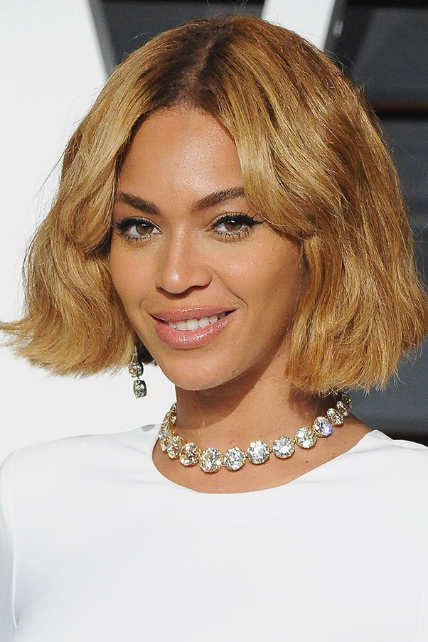 <strong>22nd February </strong> <br><br><strong>Beyoncé</strong> reminds us why she's the queen with a sleek bob and a feline flick at the V<strong>anity Fair Oscar Party</strong>.