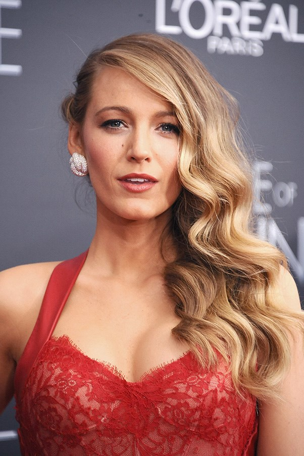 <strong>19th April </strong> <br><br>Another consistent red-carpet knock-out<strong> Blake Lively</strong> looks ethereal in side-swept pin curls and peachy makeup.