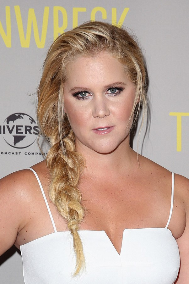 <strong>20th July </strong> <br><br><strong>Amy Schumer</strong> embraces a beachy aesthetic with a messy braid and bronzy makeup at the <strong>Australian</strong> premier of her hit-comedy -<em>Trainwreck</em>.
