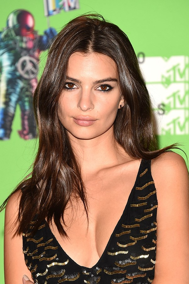<strong>30th August </strong> <br><br>Sexy, smouldering and effortless,<strong> Emily Ratajkowski </strong>stuns at the <strong>2015 MTV Video Music Awards </strong>.