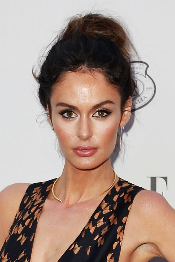 <strong>29th October </strong> <br><br>Home-grown stunner, <strong>Nic Trunfio </strong>proves that you can't go wrong with a messy updo and bronzy make up at our very own <strong>Elle Style Awards 2015</strong>.