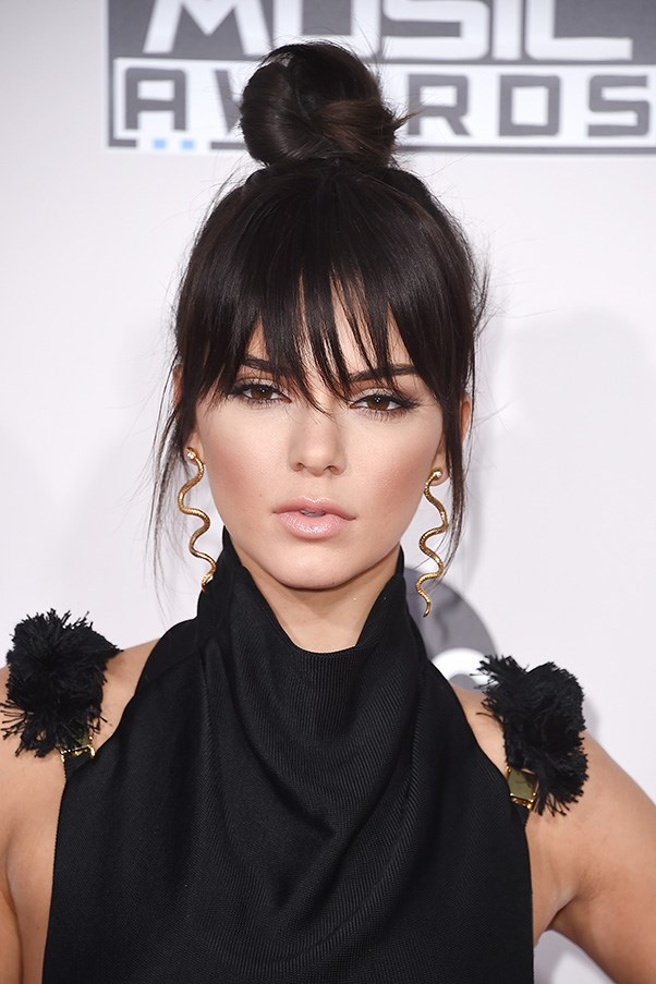 <strong>22nd November </strong> <br><br><strong>Kendall Jenner</strong> debuts blunt bangs at the <strong>American Music Awards</strong>.