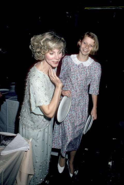 GWYNETH PALTROW, 12, WITH HER MOTHER BLYTHE DANNER At a Cabaret benefit in 1985 GETTY