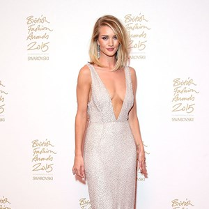 7 Ways Rosie Huntington-Whiteley Stays Model-Fit