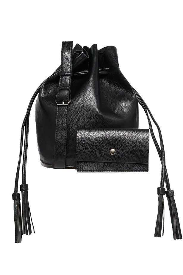 "<a href=""http://www.asos.com/au/street-level/street-level-bucket-bag-with-drawstring-detail-detachable-pouch/prod/pgeproduct.aspx?iid=5647628&clr=Bk1&SearchQuery=bucket+bag&pgesize=19&pge=0&totalstyles=19&gridsize=3&gridrow=3&gridcolumn=3"">Street Level Bucket Bag with Drawstring Detail & Detachable Pouch</a>, 74.00"