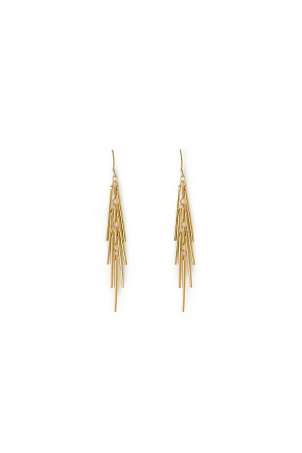 "Earrings, $49, <a href=""http://www.countryroad.com.au/shop/woman/jewellery/new-in/60190134-908/Fringe-Earring.html"">Country Road</a>"