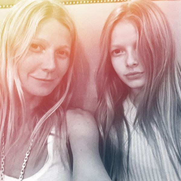 Gwyneth Paltrow posted this selfie with her 11-year-old daughter Apple and they are TWINNING like no one's business.