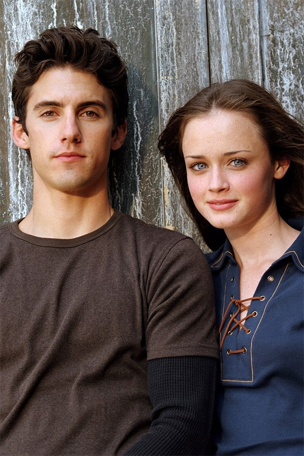 Milo Ventimiglia and Alexis Bledel as Rory Gilmore and Jess Mariano in Gilmore Girls.