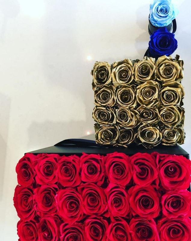 Kourtney Kardashian got these creative roses.