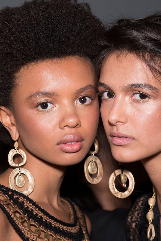 Trend: oversized earrings<p> <p> Inspiration: Alberta Ferretti SS16