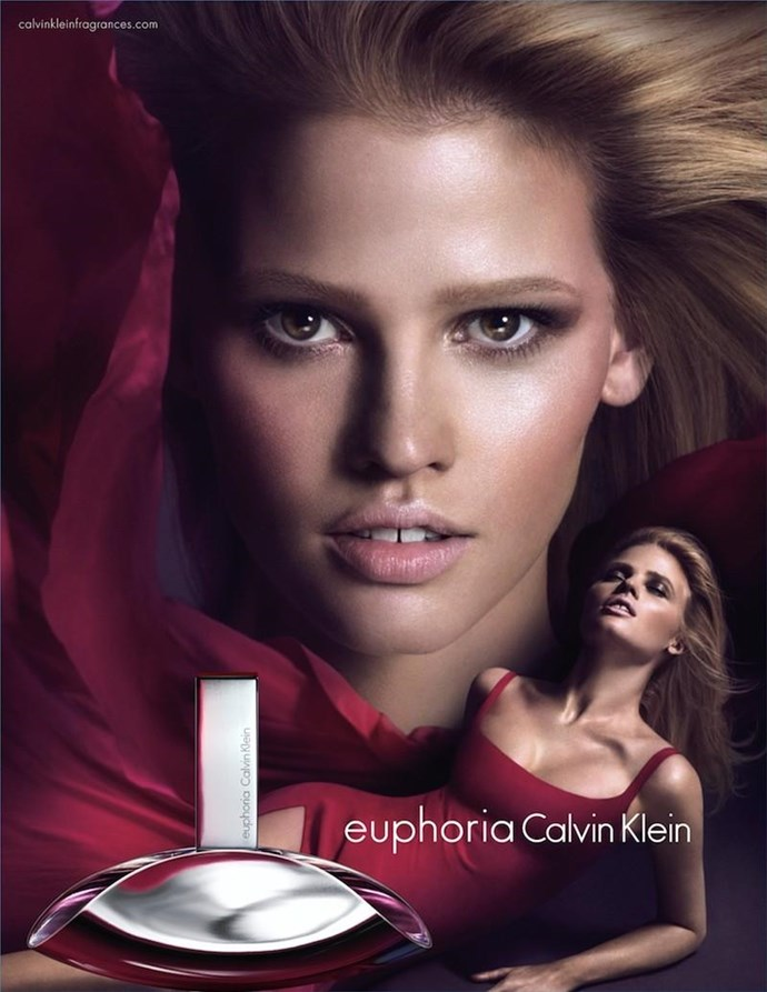 Lara Stone has been elected as the face of Calvin Klein for several years, due to her strong look and sensuality.