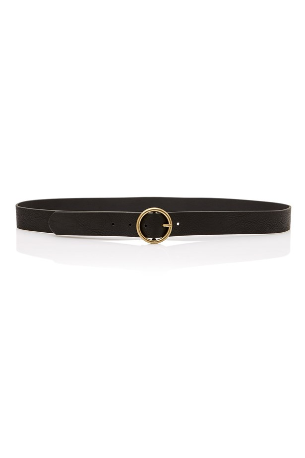 "<a href=""http://www.sportsgirl.com.au/new-in/accessories/circle-buckle-jeans-belt-black"">Belt, $19.95, <strong>Sportsgirl</strong></a>"