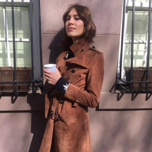 """Alexa Chung channels her favourite French muses with a slight smokey eye and pink lips. <p> <p> @chungalexa: """"Moooorrrrnnninnnggggg""""."""