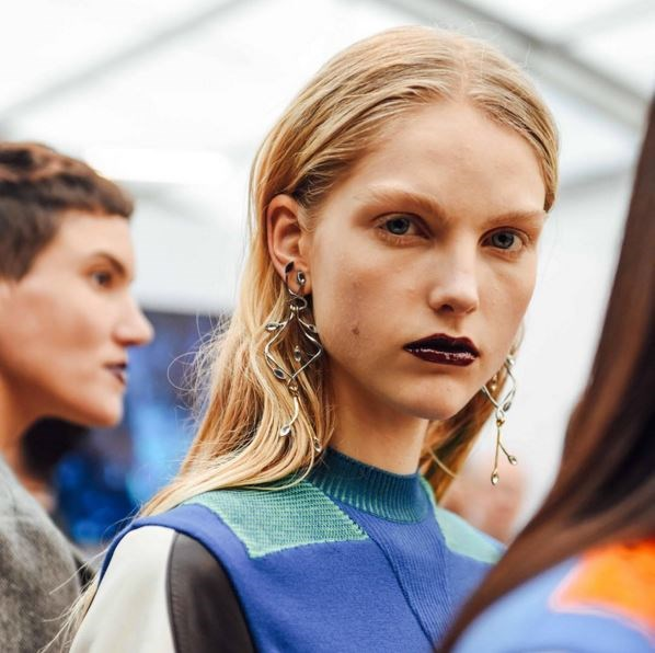 "Louis Vuitton's dark lip and bare face stood out from the crowd at Paris Fashion Week. <p> <p> @louisvuitton: ""Backstage at the #LVAW16 show by @nicolasghesquiere."""