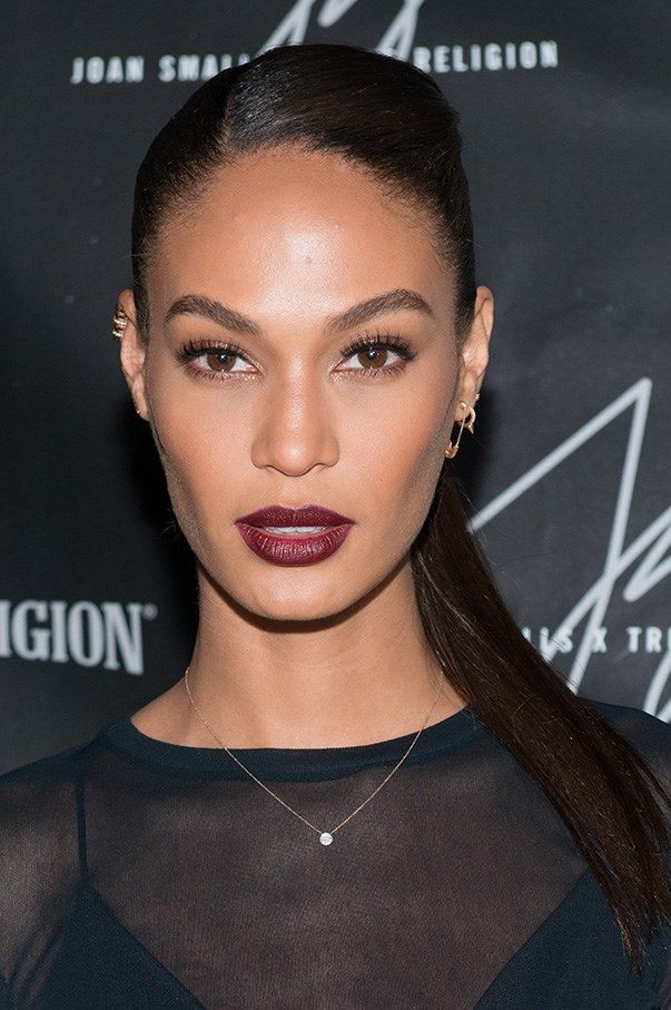 <strong>March 2015</strong> <br><br>An oxblood lip with pared back eyes, and impeccable brows makes for a stunning red carpet look at the True Religion Collection Celebration.