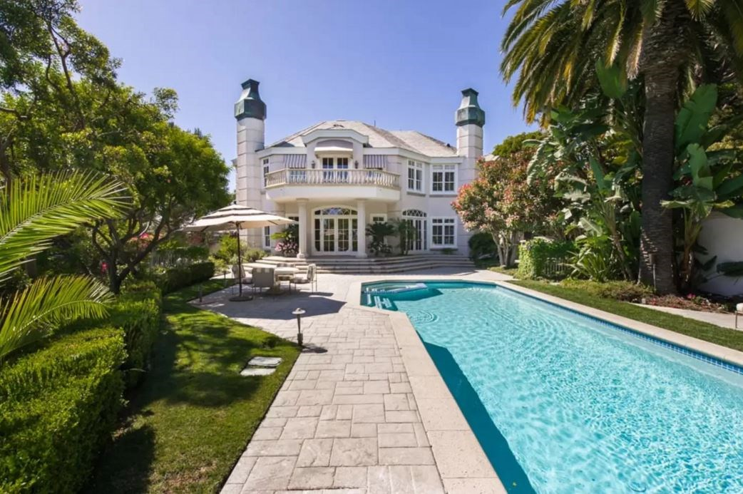 "<p> The Place: <a href=""https://www.airbnb.com.au/rooms/4461741?s=1yXogkMN"">Private Beverly Hills Park Estate.</a><p> <p> The Perks: A five bedroom, chandelier-decked, marble-floored mansion of Kardashian/Jenner proportions.<p> <p> The Pricetag: $10,981 AUD a night.<p>"