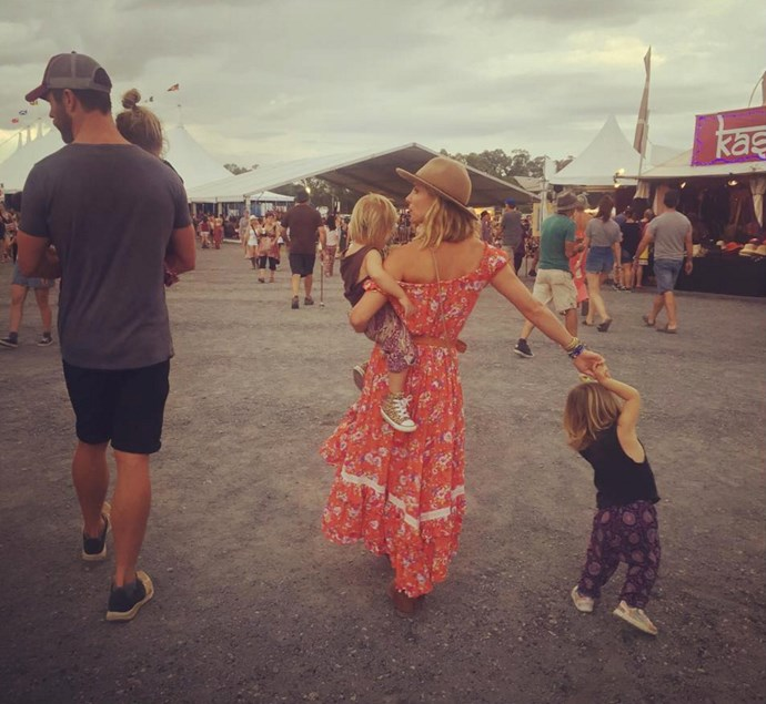 """Elsa Pataky: """"Juntos todo es mejor!/ together everything is better! #bluesfest #family #dancing #love #kids #music"""""""
