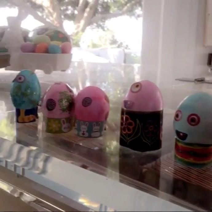 "Miranda Kerr: ""Happy Easter""."