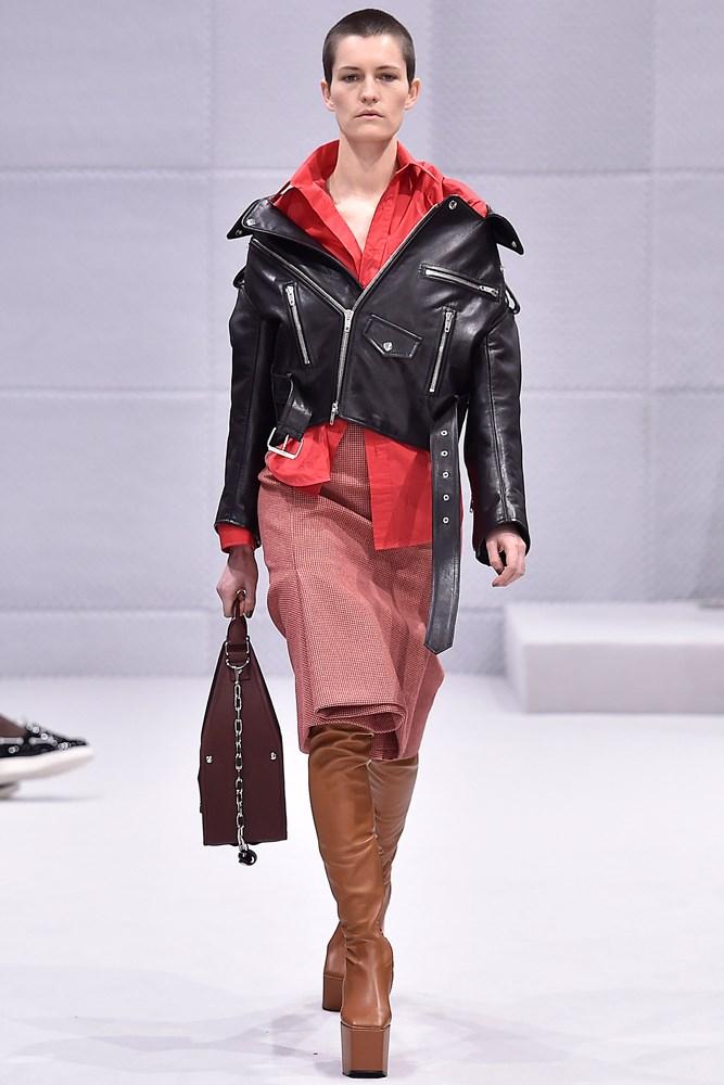 Balenciaga fall 2016 womenswear runway