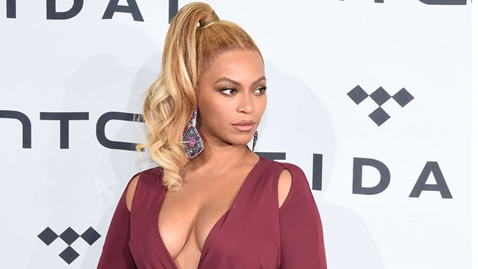 Beyonce fans have accused W Magazine of Photoshopping an image of Beyonce they shared to celebrate the release of her album Lemonade.