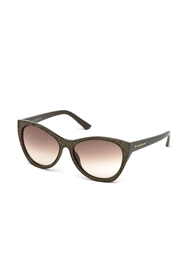 "<a href=""https://www.healyoptical.com.au/SWAROVSKI-108-48F-59-16-details.asp?catID=126"">Swarovski Sunglasses, $429, Swarovski at healyoptical.com.au</a>"