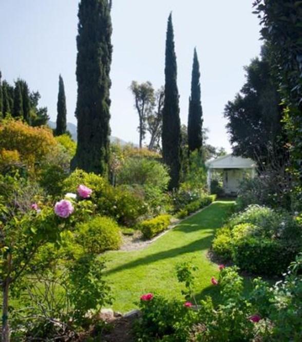 """Image via <a href=""""http://www.trulia.com/blog/celebrity-homes/gwyneth-paltrow-house-in-santa-barbara-ca/"""">Trulia</a>."""