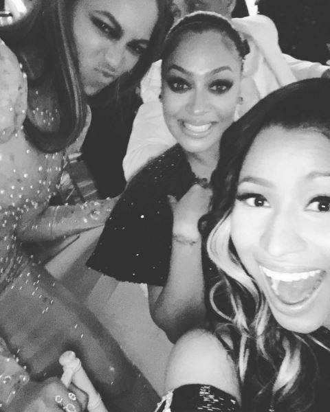 Nicki Minaj and Beyonce selfie.