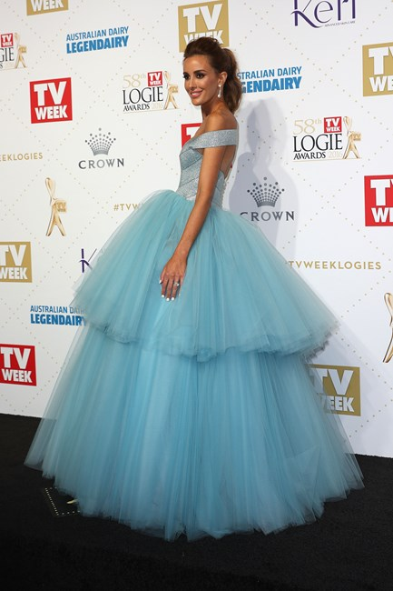 Rebecca Judd at the 2016 Logie Awards