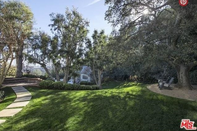 "Image via <a href=""http://guests.themls.com/Details/CA/LOS-ANGELES/655-MACCULLOCH-DR/90049/16-979675.aspx"">The MLS</a>."