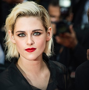 Good interlocutors Kristen stewart as a blonde apologise, but