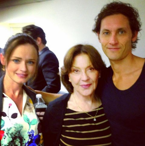 """Alexis Bledel, Kelly Bishop and Tanc Shade: """"Quick snap with Alexis and Kelly. Sorry it's so fuzzy. :) #gilmoregirls #rorygilmore #lifeanddeathbrigade #finn #roadieslove""""."""