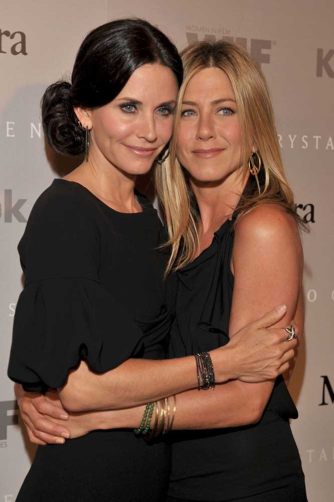 </p><p> Courteney Cox and Jennifer Aniston.