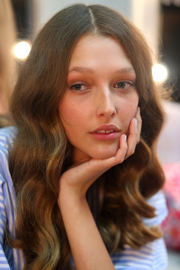 <strong>Macgraw </strong><br> Inspired by French royalty, blushing cheeks and lightly stained lips graced the runway at Macgraw. Makeup Director Alphie Sadsad from Bobbi Brown used Pot Rouge for Lips & Cheeks in Pale Pink.